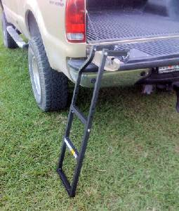 TraXion Engineered Products - TraXion Adjustable Tailgate Ladder
