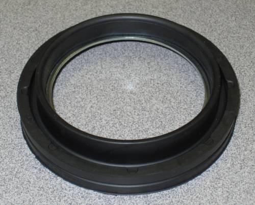 Dana Spicer - Dana Outer Stub Axle Oil Seal Ford (1999-04) F-250/350/450/550 (Dana 60) Inner Seal