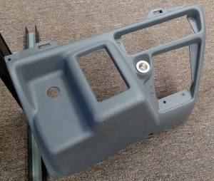 Ford Genuine Parts - Ford F-650 Dash Kit, Ford (1999-04) F-250/350/450/550/650 Super Duty (Automatic Transmission) - Image 4